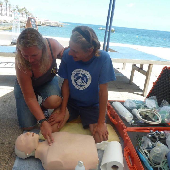 PADI EFR Emergency First Response Course, Menorca